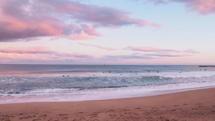 30.1.15 Barceloneta Surfers