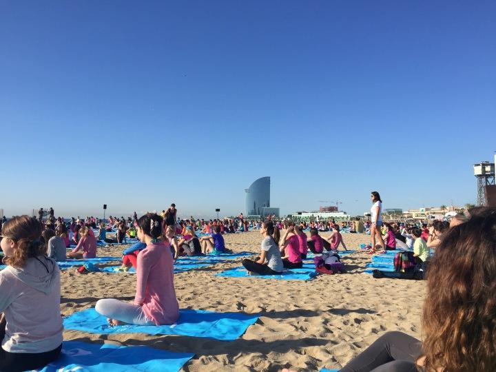 Roxy runsupyoga yoga on beach