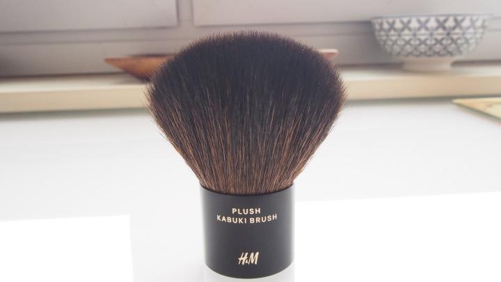 HM Plush Kabuki Brush