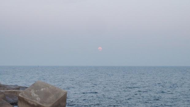 1 day until full moon moon rise. Waxing moon